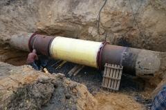 12 Montaż i spawanie nowych krućców do kompensatora na rurociągu wody pitnej DN 1250.