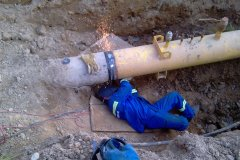 Spawanie śluz ciśnieniowych na gazociągu tranzytowym wysokiego ciśnienia.